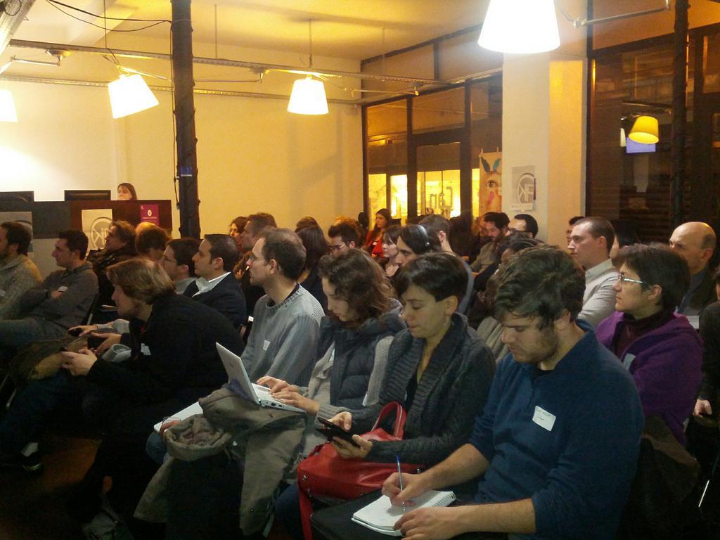 Premier meetup de l'Open Knowledge Foundation France à la Cantine le 12 décembre 2012